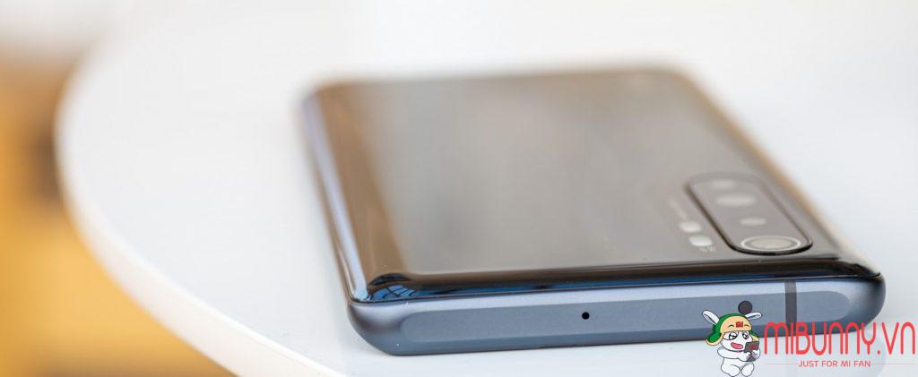 cạnh trên Xiaomi Mi Note 10 Lite